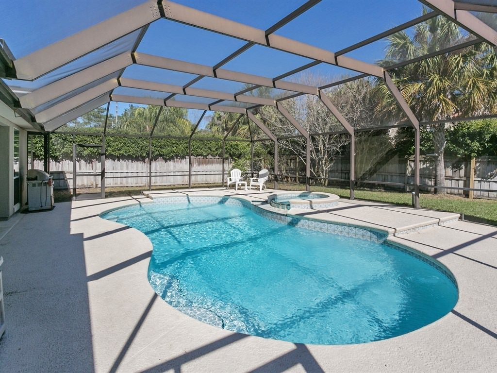 Home with Pool For Sale Jacksonville