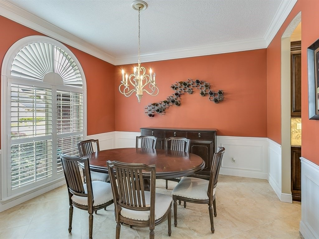8072 Timbermill Dining Room